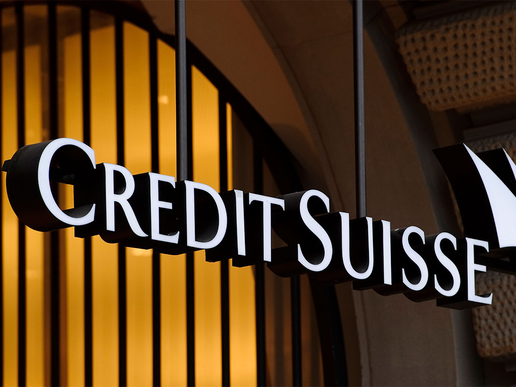 Credit Suisse are phasing out their current bonus scheme, and replacing it with two bonus plans that will shift the bank's emphasis onto collective, rather than individual, performance