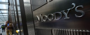 Moody's has reduced its expectations for global growth from 3.1 percent to 2.8 percent. The ratings agency attributed the downgrade to China's economic slowdown