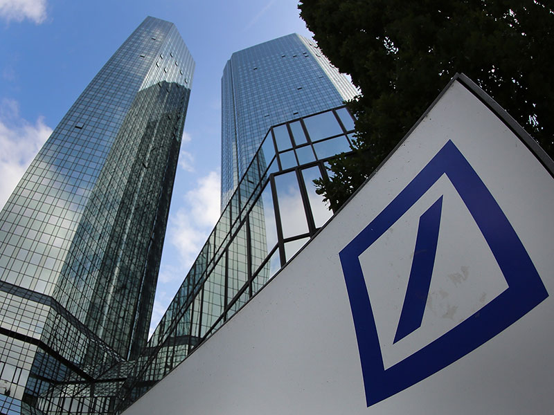 deutsche bank s troubles deepen as hedge funds move their. Black Bedroom Furniture Sets. Home Design Ideas