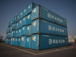 South Korea's struggling shipping giant Hanjin Shipping will close all of its European operations from this week