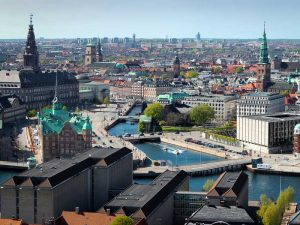 Copenhagen has a vision of becoming the first CO2-neutral capital by 2025. This vision signals to businesses that the government is committed to taking bold actions to build a sustainable city