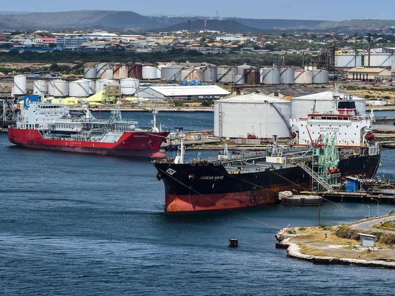 США планируют дальнейшие нефтяные санкции против Венесуэлы